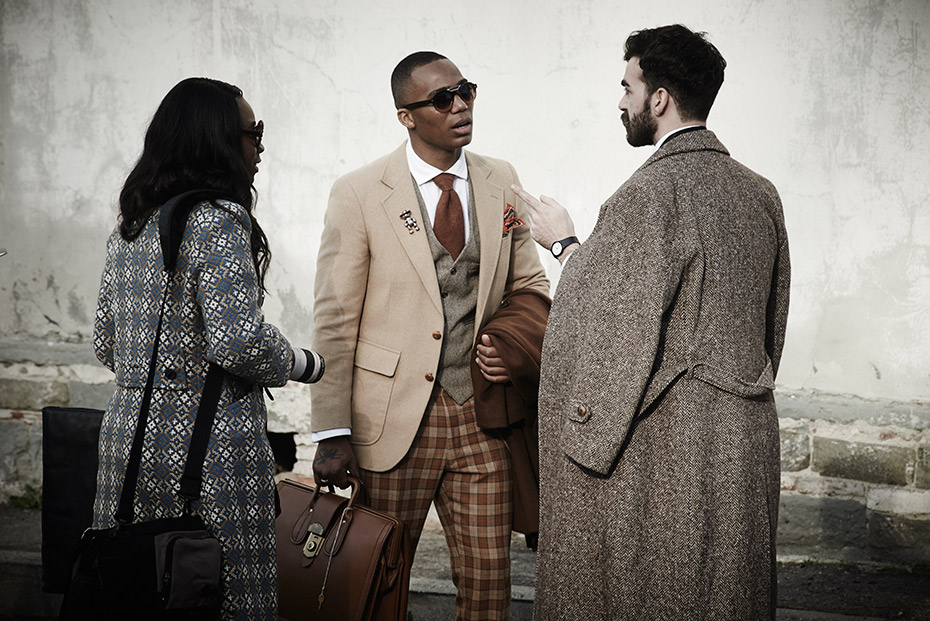Walkabout - Pitti 87 - by Enrico Labriola
